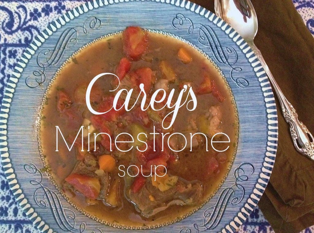 Easy Minestrone Soup - a gluten-free soup that is perfect for fall