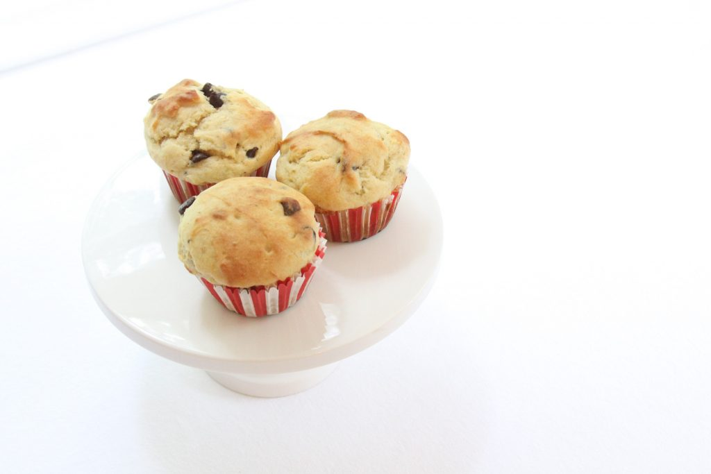 gluten free banana chocolate chip protein muffins for back to school breakfasts