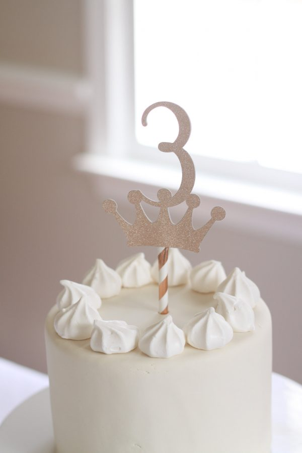 3 crown cake topper