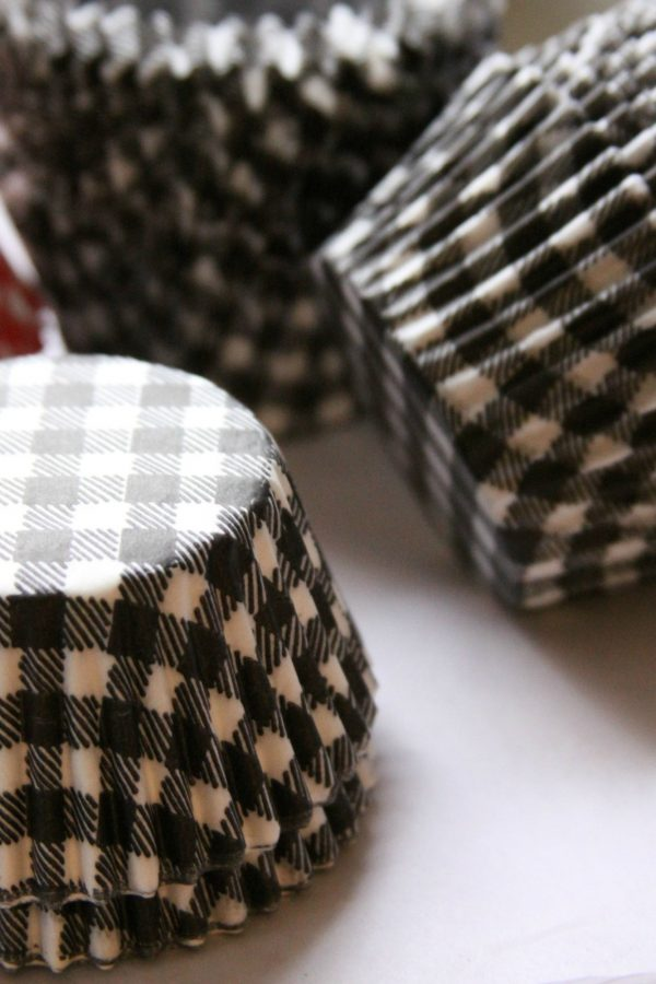 Black Gingham Cupcake Wrappers