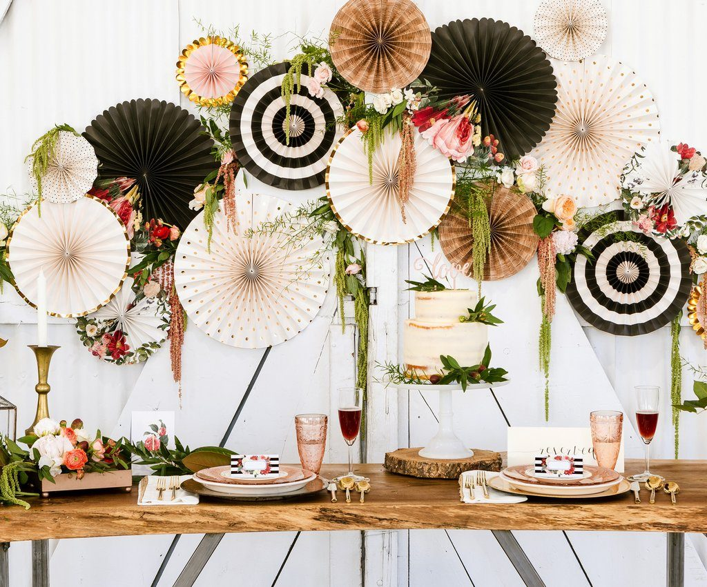 black kraft cream and gold backdrop fan for a beautiful backdrop for a fall DIY afforable wedding.  Use with burgundy and pink flowers for a stunning and affordable wedding reception backdrop.