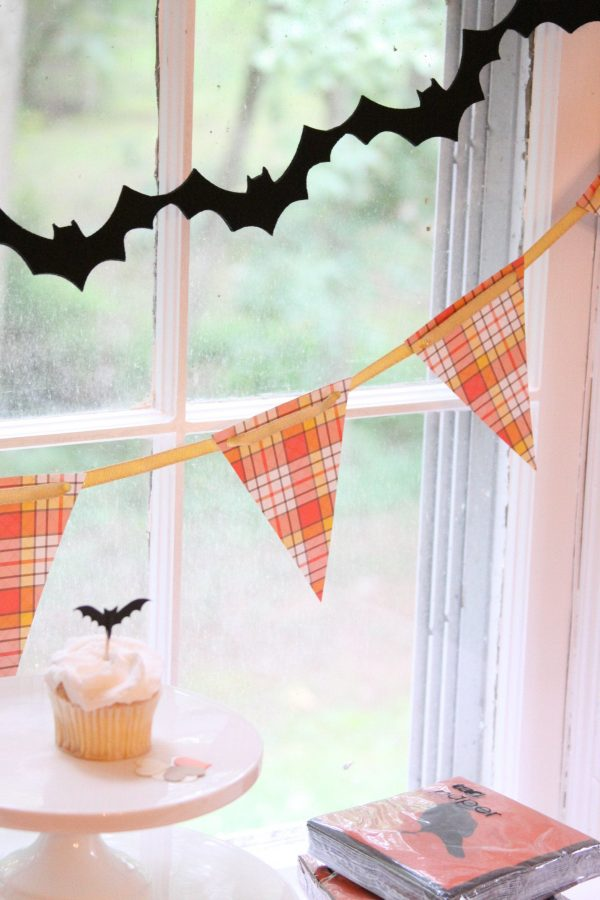 Halloween Garlands - Felt Bats and Plaid Pennant Banner
