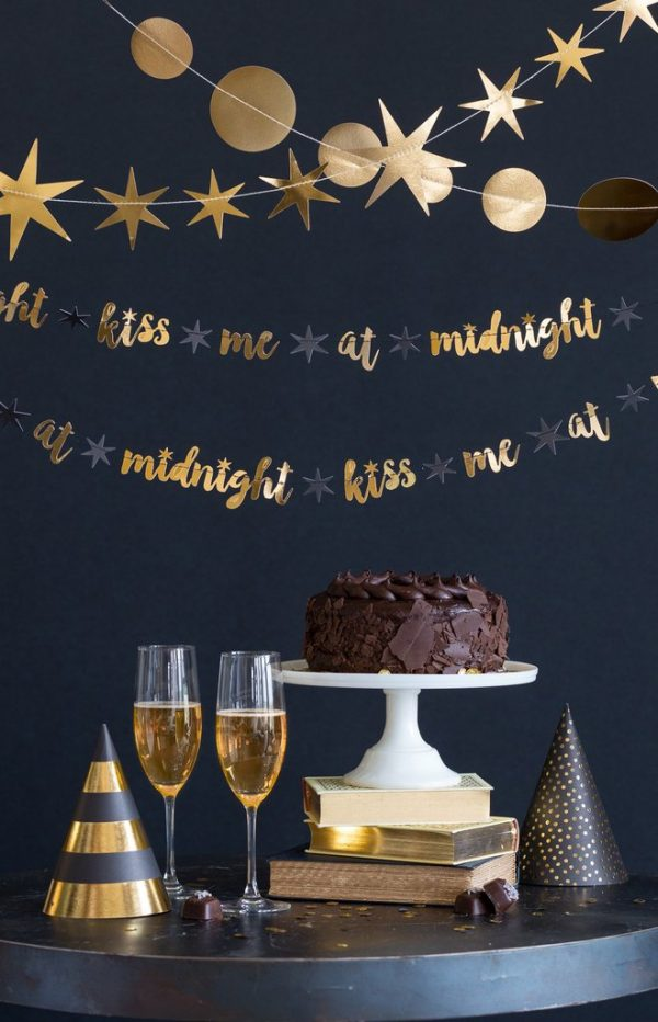 Kiss me at midnight new year's eve garland in gold foil