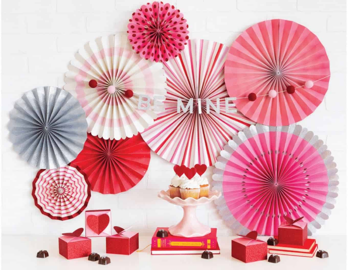 Valentine S Day Be Mine Pom Pom Garland And Paper Fans Enfete
