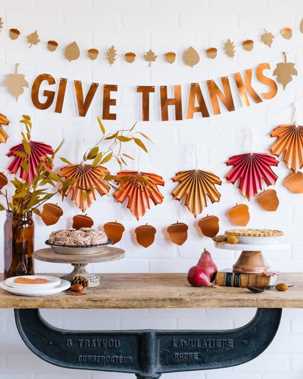 Give Thanks Banner for Thanksgiving and Fall Decor