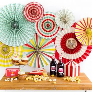 Throwing circus or carnival party, superhero, a backyard movie night, or just a fun backyard barbecue? Then you'll probably need this stylish set